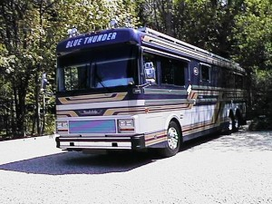 "1990 Blue Bird Wanderlodge ""Blue Thunder"""