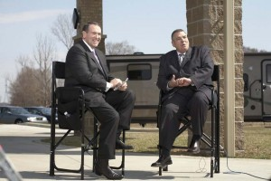 Elkhart Mayor Dick Moore (right) chats with Mike Huckabee during Huckabee's visit to Elkhart in the spring of 2009.