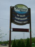 Pettibone RV sign