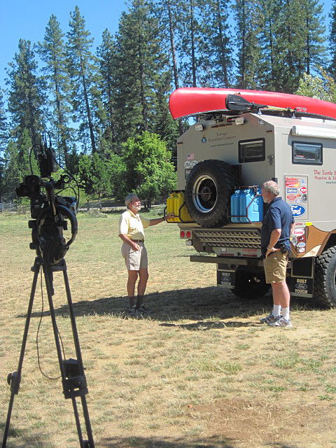 Rollin' On TV's Jeff Johnston (right) on assignment in the field.